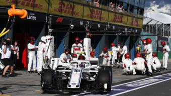 Pit stops at the limit: Victory or defeat can hinge on the speed of a tire change