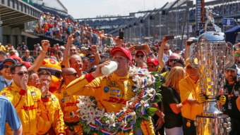 Ryan Hunter-Reay wins down-to-the-wire Indy 500