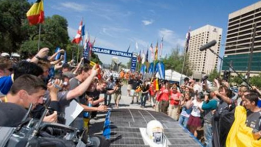 DHL helps teams in the race to the World Solar Challenge 2015