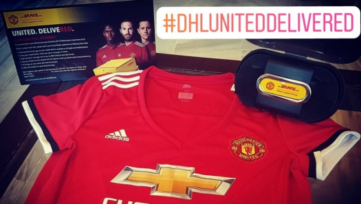 Tweeting for jerseys with UNITED. DELIVERED.