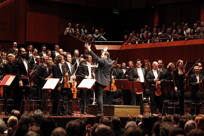 Gewandhausorchester performs in the Alten Oper in Mainz